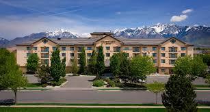 hotel in utah near alta ski resort courtyard