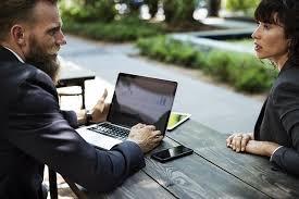 l amour dans le bureau faut il avoir peur des relations entre collègues