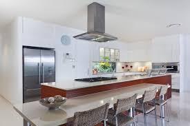 cuisine au milieu de la cuisine ouverte 30 exemples pratiques pour soigner l ouverture de au