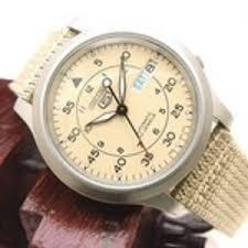 amazon black friday specials on seiko mens watches 34 03 seiko men u0027s snk803 seiko 5 automatic watch with beige