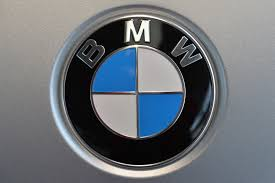 bmw car signs in of fatal tesla crash bmw is in to roll out self