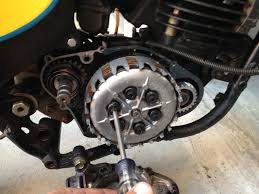 replace yamaha 2 stroke crank seals chin on the tank