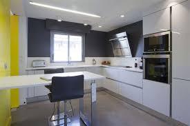 stunning cuisine blanche mur gris anthracite contemporary design
