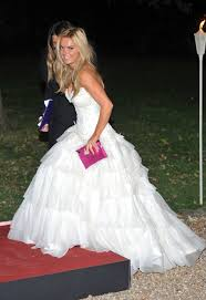 wedding dress raisa geri halliwell in a white dress but it s not wedding 22sept11