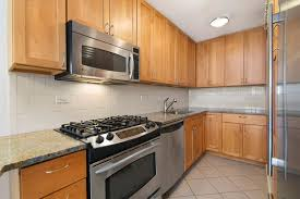 christian slater u0027s hell u0027s kitchen condo sells for 1 11m