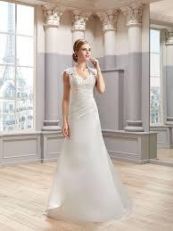 robe de mari e satin robe de mariée mlle satin robe de mariée bretelles pronuptia