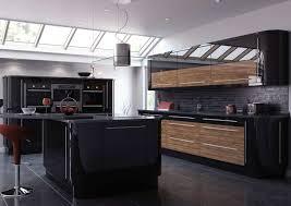 cuisine noir cuisine noir et bois un agencement harmonieux