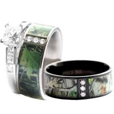 camo wedding rings for him and her on a budget