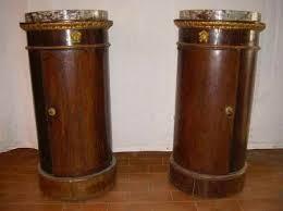 comodini in stile il comodino impero a tamburo a colonna o a vaso