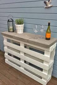 Diy Outdoor Bar Table Cocktails Anyone Diy Outdoor Bars The Garden Glove