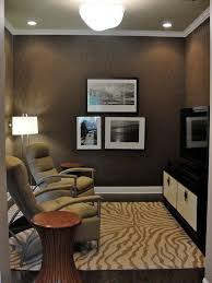 Decorating Ideas For Small Office Best 25 Small Den Decorating Ideas On Pinterest Flooring Ideas