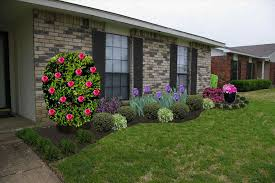 Landscaping Front Of House by Archaic Front Of Exterior Front Side Yard Landscaping Ideas