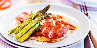 homard cuisine homard au beurre demi sel et vin poêlée d asperges recettes