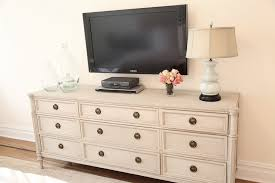 Dresser In Bedroom Tv Above Dresser In Bedroom Great Idea Gotta Get Rid Of The