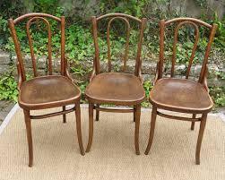 trois chaises thonet anciennes bois courbé assise gauffrée design