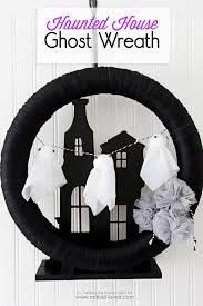 make a super cute halloween haunted house ghost wreath using items
