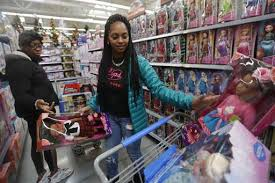 shoppers mobilize on thanksgiving retailers branch out