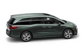 first 2018 honda odyssey minivan rolls off the assembly line