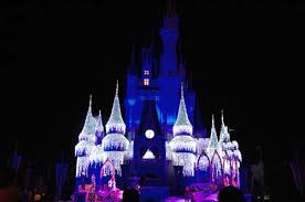 castle dreamlights debut at magic kingdom the dis unplugged