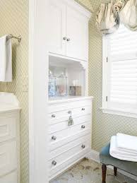 Cabinets For Small Bathrooms by Best 10 Freestanding Bathroom Storage Ideas On Pinterest White