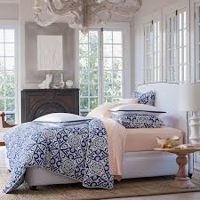 White Bedding Decor Ideas Master Bedroom Or Guest Bedroom Love Navy Blue And Orange Bedding