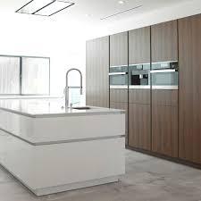 Kitchen Design Los Angeles by Wildhagen Modern Kitchen Met Inbouwapparatuur En Kookeiland Met