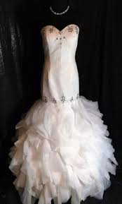 how to sell a wedding dress sell my wedding dress buy or sell your wedding dress