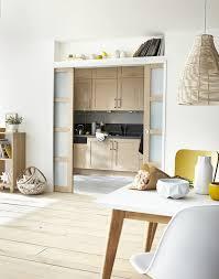 cacher une cuisine ouverte la cuisine joue à cache cache diy bricolage systèmed déco