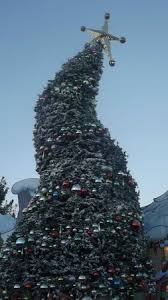 grinch christmas tree picture of universal studios hollywood