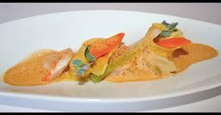recette de cuisine de chef étoilé ravioles de gambas au citron émulsion de crustacés et huile d olive