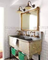 vintage decorations for bathrooms