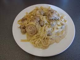 cuisine paupiette de veau paupiettes de veau à la crème chignons et tagliatelles recettes
