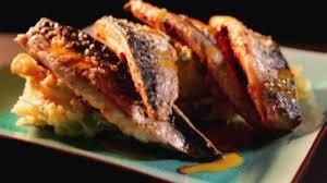 cuisiner les maquereaux maquereau rôti à l ail et au paprika selon gordon ramsay gordon