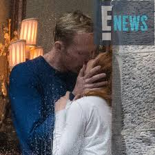 si e t ision look paul bettany and elizabeth s characters in