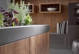 laminat in der küche küchenboden vor und nachteile fliesen laminat oder linoleum