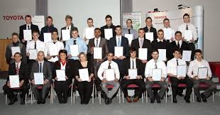 lexus bolton team toyota celebrates apprentices u0027 achievements