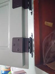 kitchen cabinet door hinge came kitchen cabinet hinge and door issue doityourself