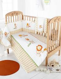 Nursery Cot Bed Sets by Little Zoo Quality Cot Bumper U0026 Cot Quilt Set Great Value Amazon