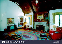 Cathedral Ceilings In Living Room by Investment Usa American Single Family House Interior Large Living