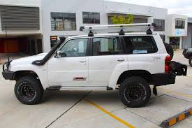 nissan patrol 2016 white nissan patrol y61 wagon white 74156 superior customer vehicles