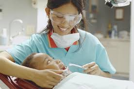 dental hygienist job description and career information