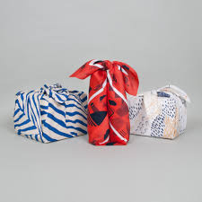 traditional japanese furoshiki scarves folding guide
