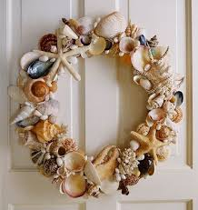 Christmas Wreaths Decorated With Seashells by 29 Best Seashell Wreaths Images On Pinterest Seashell Wreath
