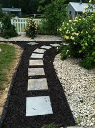 Pavers In Backyard by Best 25 Slate Pavers Ideas On Pinterest Stone Walkway Slate