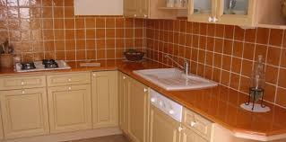 lave cuisine cuisine lave emaillée sur mesure plan de cuisine carrelage