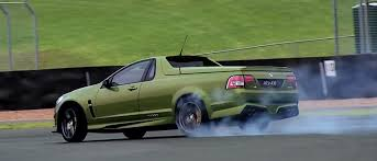 vauxhall vxr8 ute watch chris harris drift the crazy 577bhp hsv maloo the world u0027s