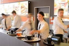 salaire d un commis de cuisine manager en restauration salaire études rôle compétences