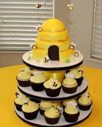bumble bee cupcakes the 25 best bumble bee cupcakes ideas on bee cupcakes