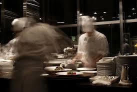 restauration cuisine violences en cuisine les vieilles traditions ont la vie dure
