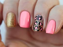nails pink leopard print nail